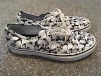 Authentic Vans Shoes Size 5