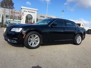 2016 Chrysler 300 Touring 8.4 screen and Panoramic Sunroof