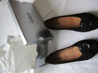 Ladies Gabor Hovercraft black nubuk pumps with buckle detail, brand new / never worn,