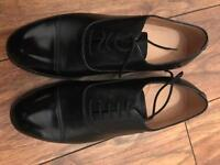 New black leather service shoes with toe cap