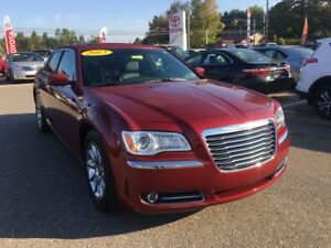 2013 Chrysler 300 ONLY $131 BIWEEKLY WITH $0 DOWN!