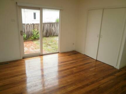 three bed rooms house for rent Heidelberg Heights Banyule Area Preview