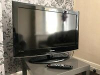 "SAMSUNG 32"" TV, HDMIs, built in FREEVIEW, remote ! FULLY WORKING ! VERY GOOD CONDITION !"