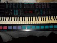 Yamaha Portasound PSS 780 Electronic Keyboard & Stand