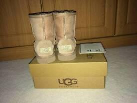 Classic Ugg boot child UK 8