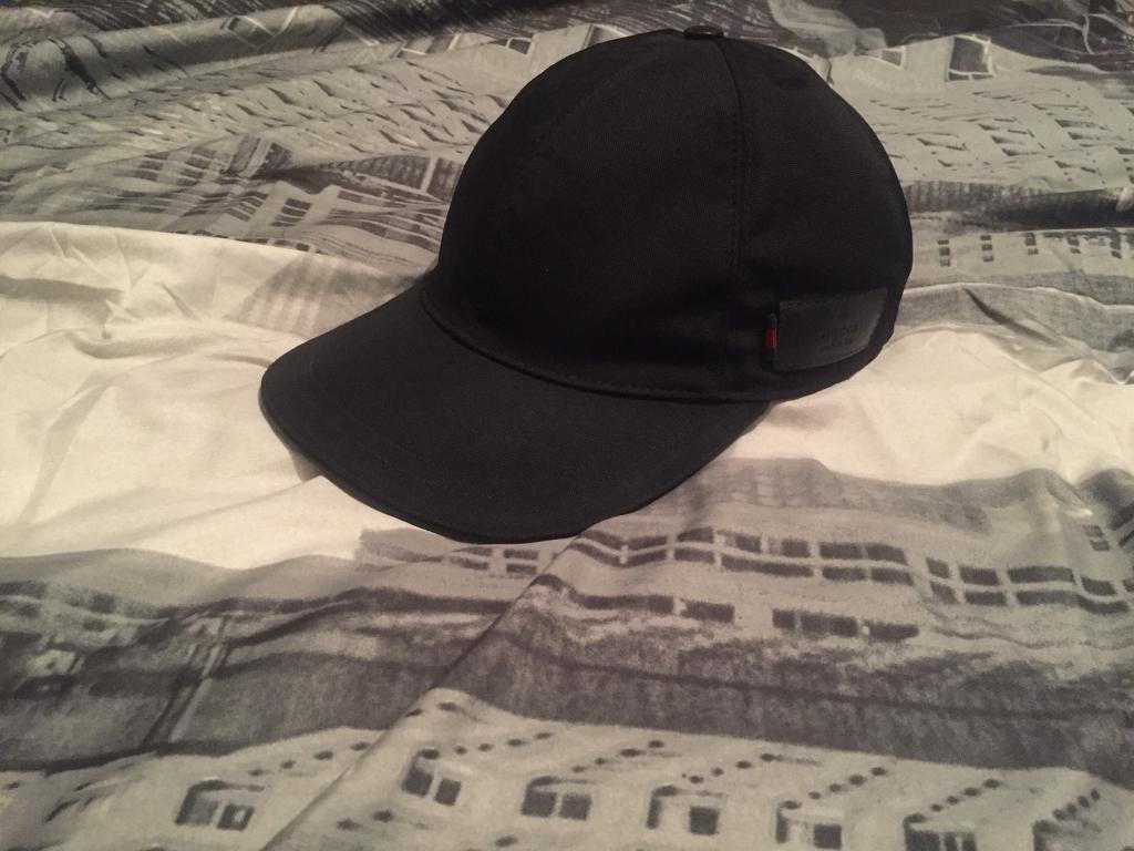 7dd73a90da0 LIMITED EDITION GUCCI CANVAS CAP