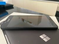 Lumia 950 Phone and Display Dock - Great Condition