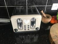 Like new toaster for sale