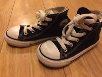 Black converse size 9 toddler