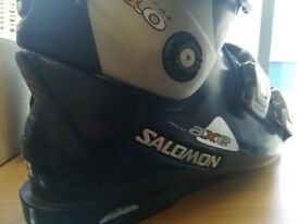 Salomon ski boots size 9to 10
