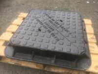 Heavy duty manhole lids