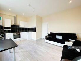 1 bedroom flat in High Road, London, N17 (1 bed) (#1135372)