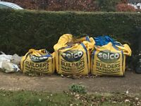 2.5 tonnes of builders sand