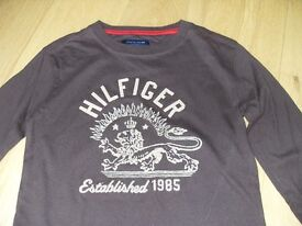 Tommy Hilfiger T-shirts x2 boys size 8 years