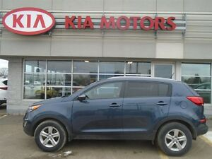 2014 Kia Sportage LX 6-SPEED HEATED SEATS / BLUETOOTH - $47* WEE