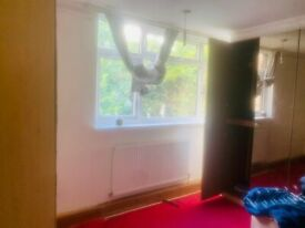 Beautiful fully furnished 4/5 bed house in E13