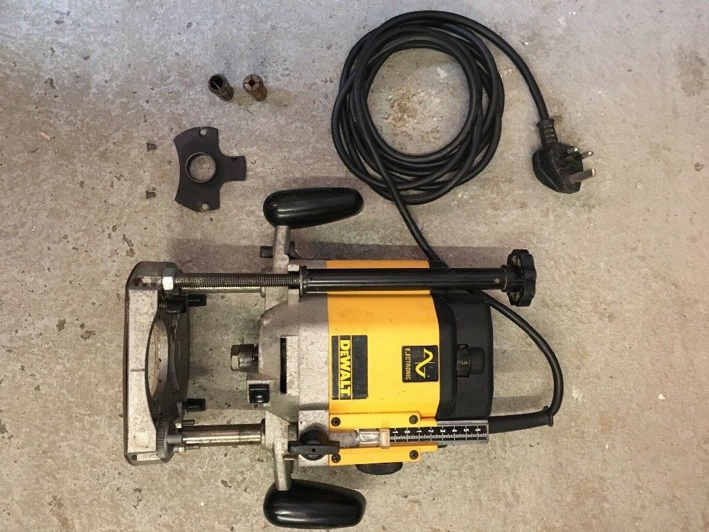 Used dewalt dw625 plunge router 240v in plymouth devon gumtree used dewalt dw625 plunge router 240v keyboard keysfo Image collections