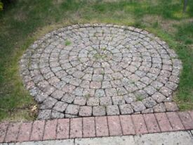 LARGE STONE. BLOCK CIRCLE IN GOOD CONDITION