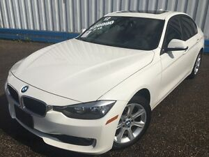 2012 BMW 320i *LEATHER-SUNROOF*