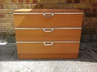 Drawer chest or drawers