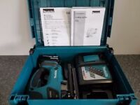 NO OFFERS..MAKITA DJV180 18V Cordless Li-Ion JIGSAW body & 4ah battery,(BATTERY GAUGE), near new.