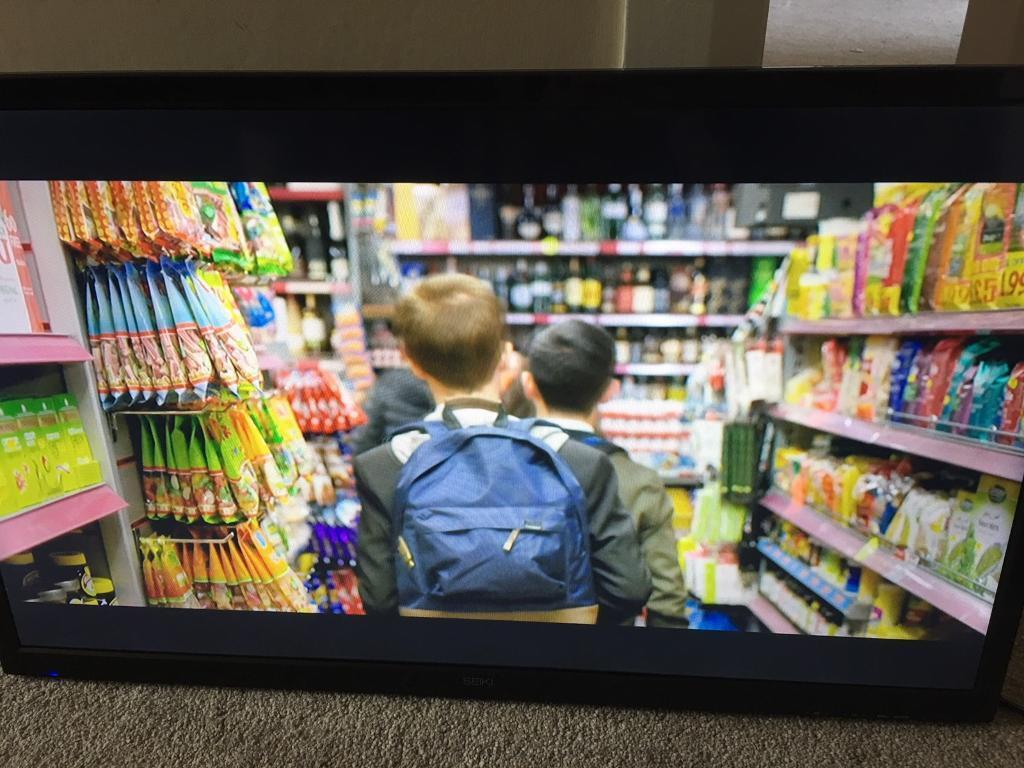 """32"""" HD LED TV with Freeview & 3 HDMI ports"""
