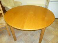 Medium Oak Dining Table. Extendable