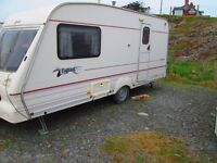 1999 BAILEY PAGEANT 2 BERTH CARAVAN WITH SPACIOUS WASHROOM