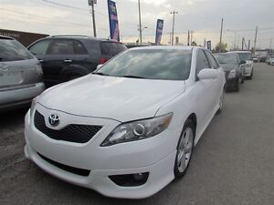 2011 Toyota Camry SE   LEATHER   ROOF   HEATED SEATS   1OWNER London Ontario image 3