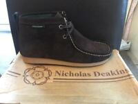 Nicholas Deakins size9 wallaby boots