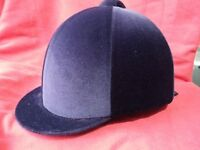 Horka Navy Velvet Riding Hat size 6 ¾. BS Standard 1384. In excellent condition