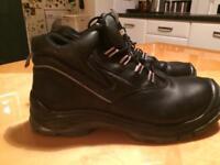 Men black steel toe cap boots size 11