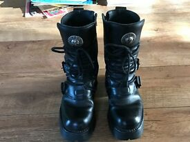 UNISEX NEW ROCK CALF LENGTH GOTH BOOTS - BLACK WITH SILVER BUCKLES - UK SIZE 7 - EXCELLENT CONDITION