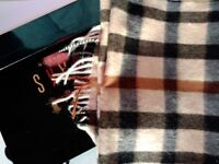DAKS wool scarf