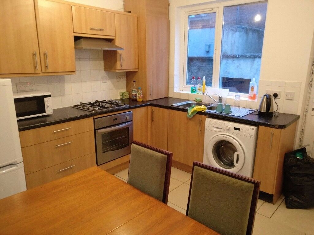 2 bedroom terrace Whiteabbey/newtownabbey furnished £450/pm