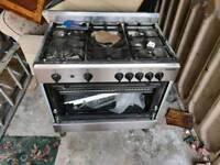 Gas cooker range cooker