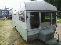 Vintage Retro e Berth Youring Caravan