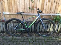 Excellent Condition 2014 Saracen Clever Mike Hybrid Bike for Sale