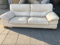 REAL LEATHER SOFA USED VERY COMFY FREE DELIVERY LOCAL