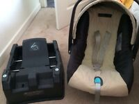 MAMAS AND PAPAS INFANT CAR SEAT AND BASE