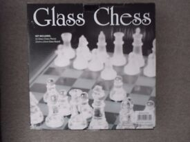 SMALL GLASS CHESS SET
