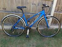 Ladies Saracen hybrid town bike