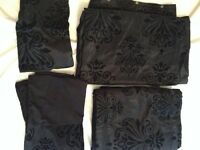 Five piece double duvet set in black with flowery paytern