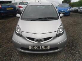 TOYOTA AYGO 1.4L + 3dr �20 A YEAR ROAD TAX. NICE WEE DIESEL 1.4 3 DOOR (silver) 2006