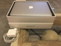 "13.3"" Apple MacBook Air MMGF2B/A early 2015 - (Intel Core i5 1.6 GHz, 8 GB Adobe CS6)"