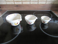 Stylish set of measuring jugs 'Rooster by Alex Clark' - Dishwasher and Microwave safe