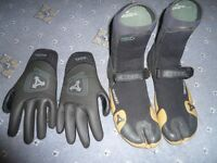 Xcel Drylock gloves and booties Large