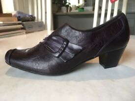 Purple Leather Marco Tozzi Ankle Boots Size 6 NEW - NEVER WORN