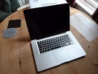 "15"" Macbook Pro 2011 2.53 GHz Intel Core - spares or repair - £220"