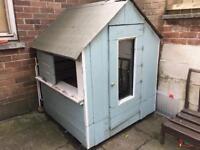 Kids play house / shed
